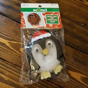 🍁 5 for $10 🍁 Christmas Penguin Bun
